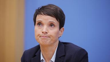 Frauke Petry bei der Bundespressekonferenz in Berlin