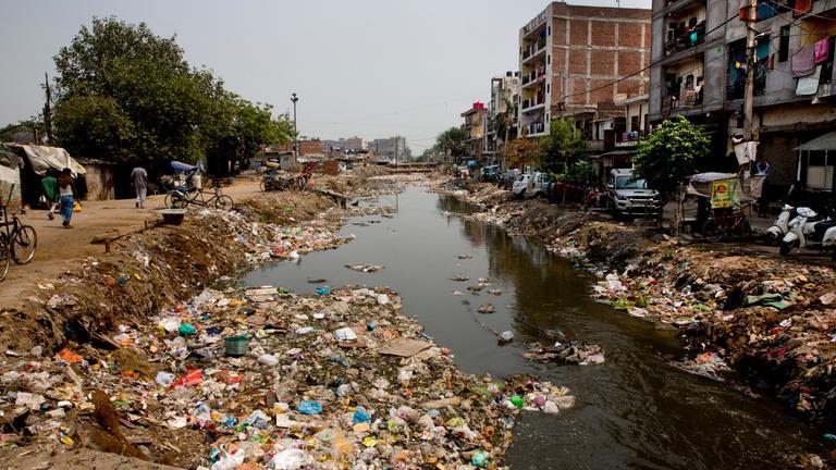 Abwasser in Deu-Delhi.