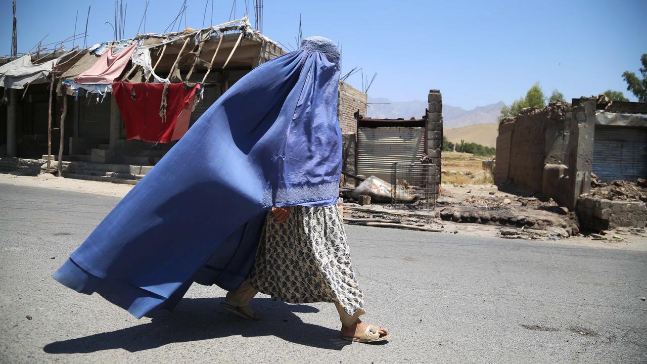 Afghanistan: Lage für Frauen spitzt sich zu - ZDFheute