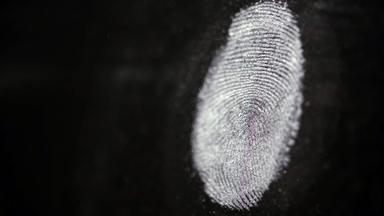 Father Brown - Britische Krimiserie - Auf Der Spur Des Verbrechens - Forensiker Im Einsatz: Genetischer Fingerabdruck