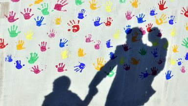 Zdfinfo - Ausgegrenzt Und Abgehängt - Kinderarmut In Deutschland