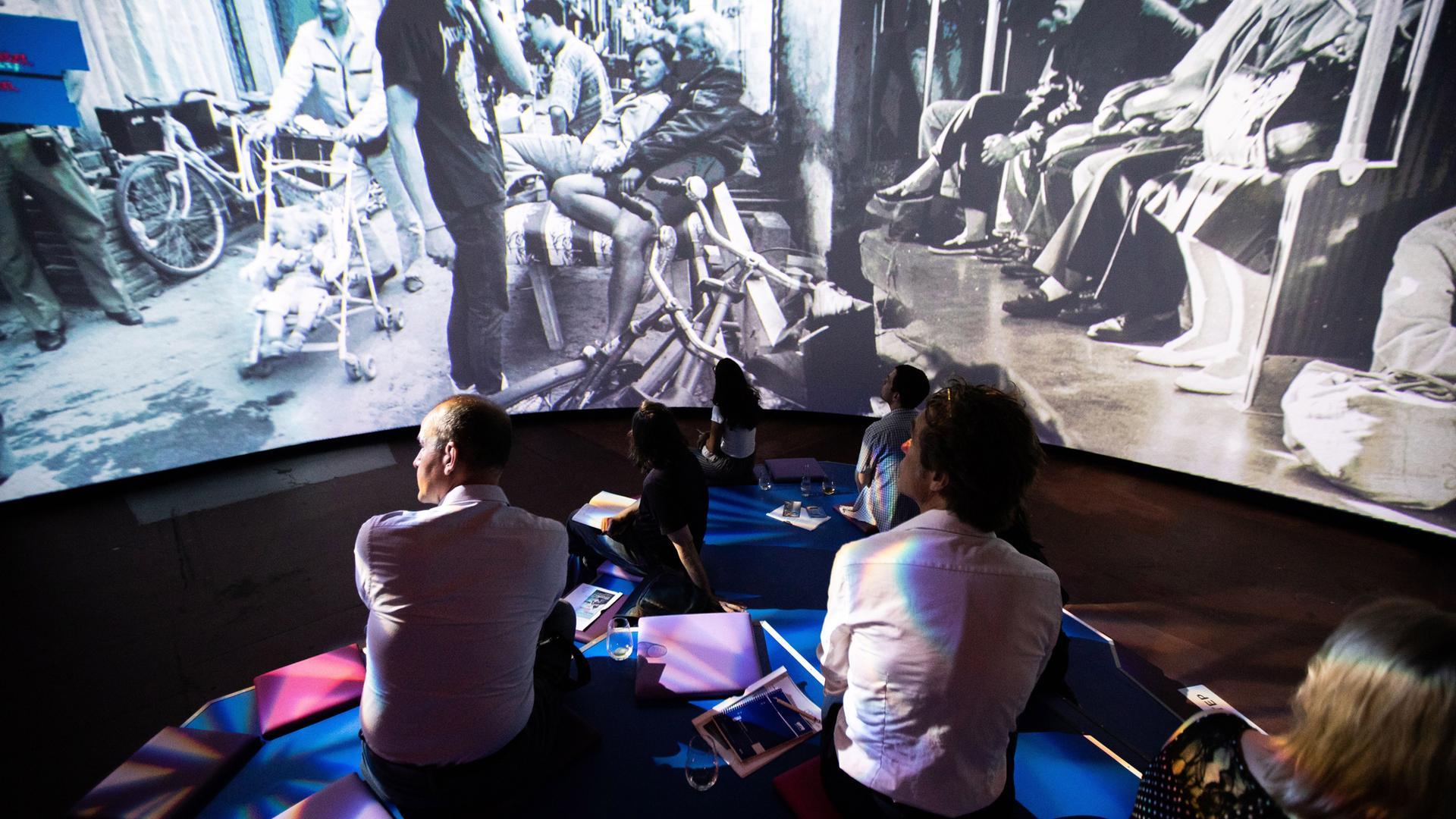 Ausstellung Im Ddr Museum Subkultur Im Berlin Der 90er Jahre