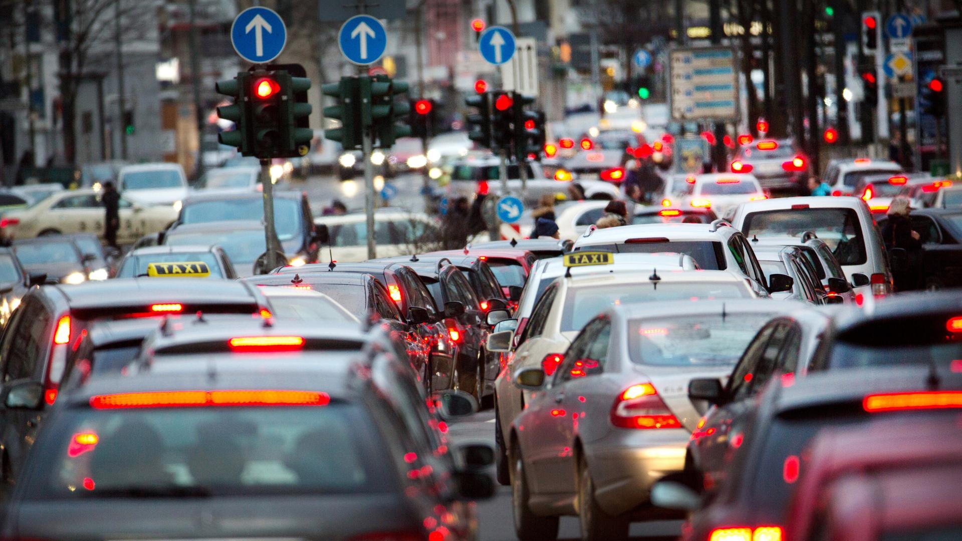 Diesel Und Stickstoff Ausstoß Scheuer Macht Weg Für Nachrüstung