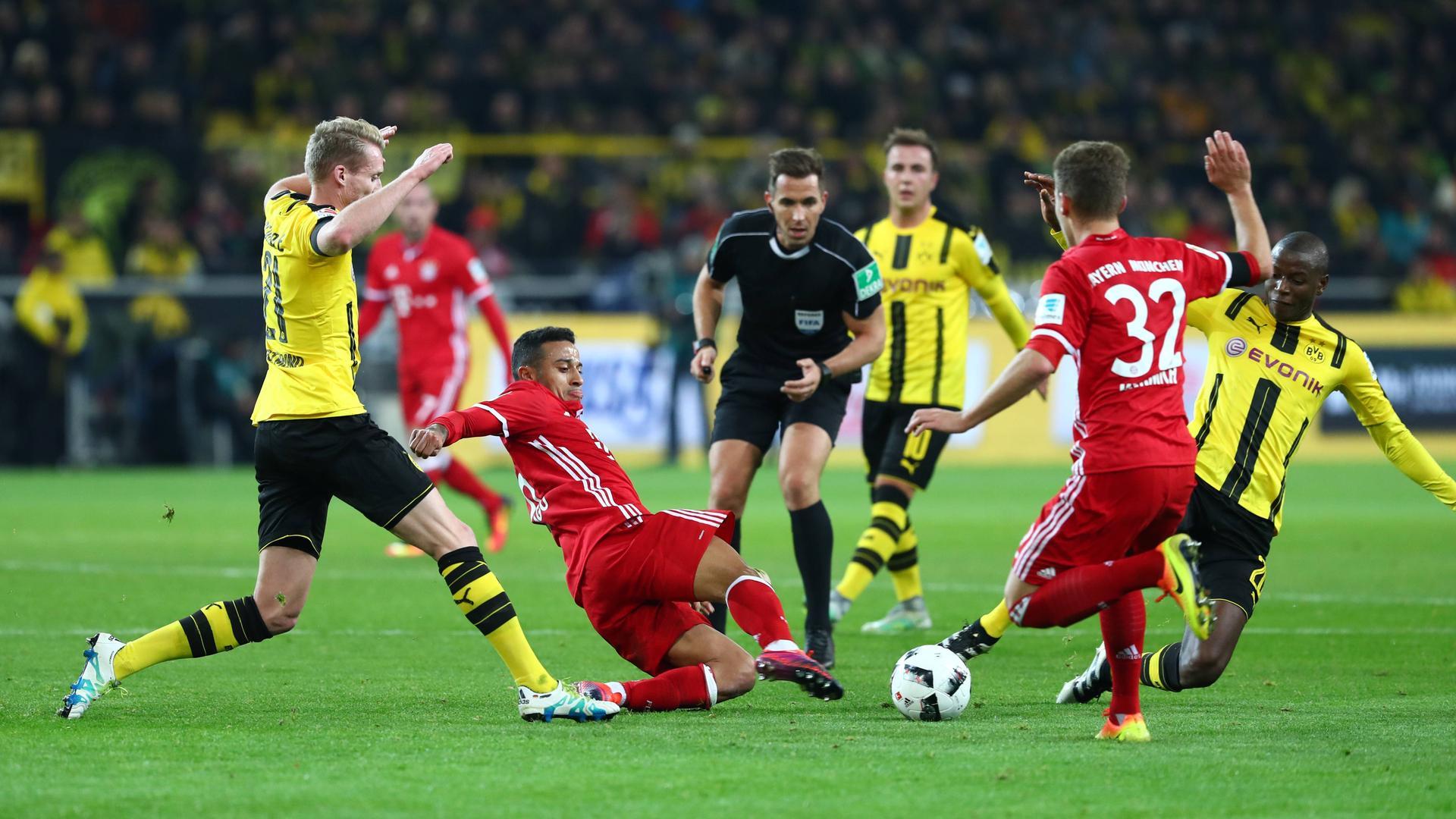 FC Bayern München gegen Borussia Dortmund