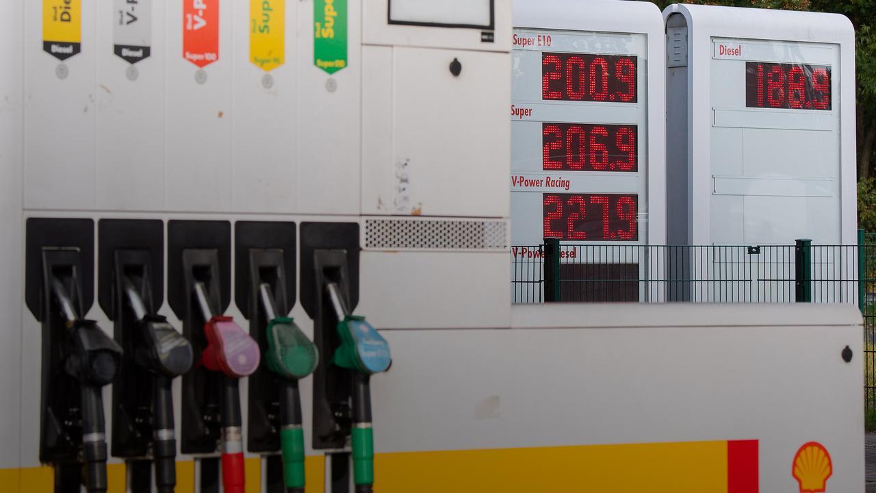 Dieselpreis auf Rekordhoch: Was den Sprit so teuer macht