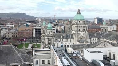 Dokumentation - Boomtown Belfast - Eine Stadt Entdeckt Das Leben
