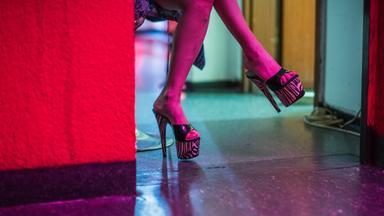 Zdfinfo - Bordell Deutschland: Milliardengeschäft Prostitution
