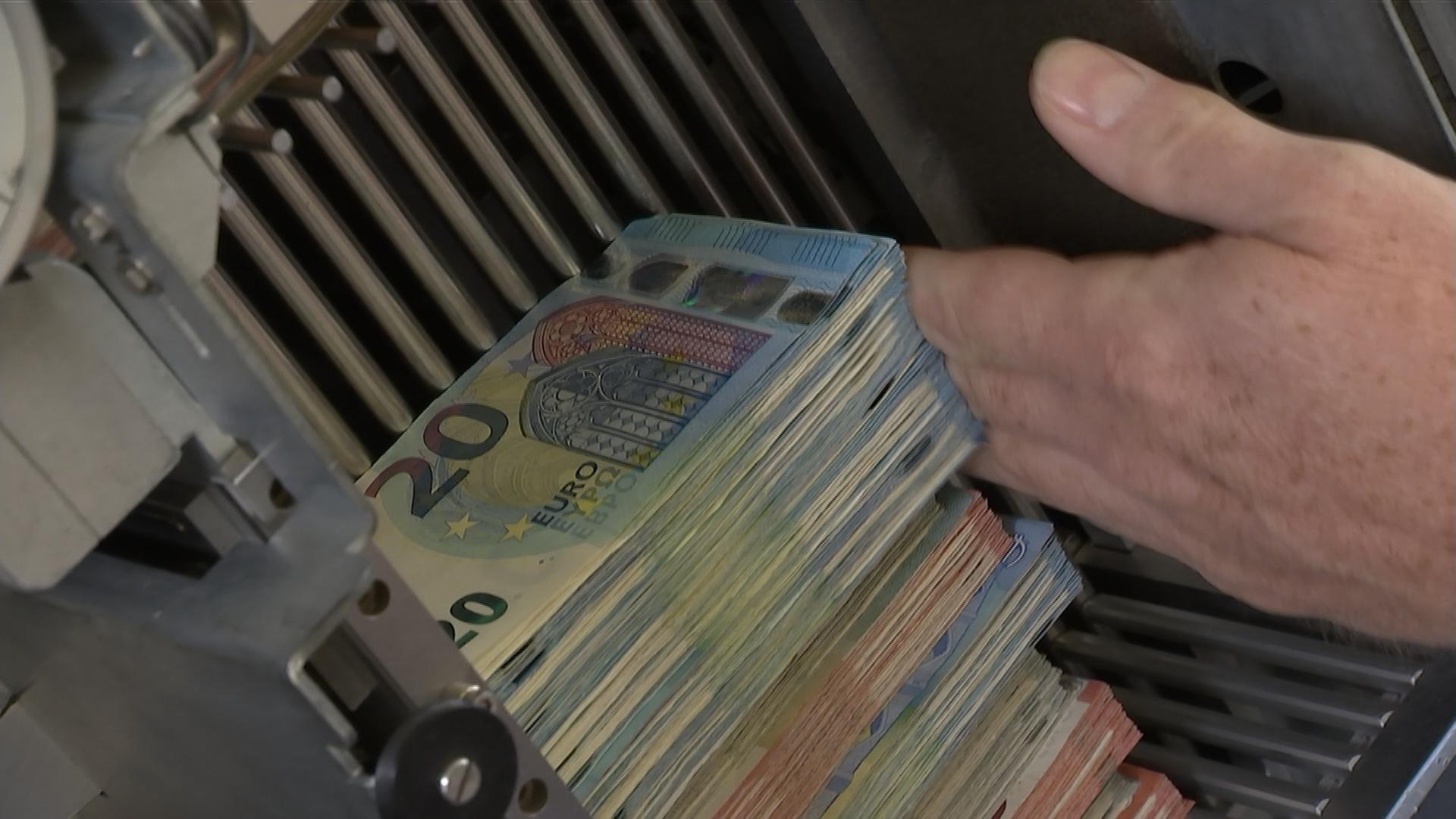Tag der offenen tür heute  60 Jahre Bundesbank - ZDFmediathek