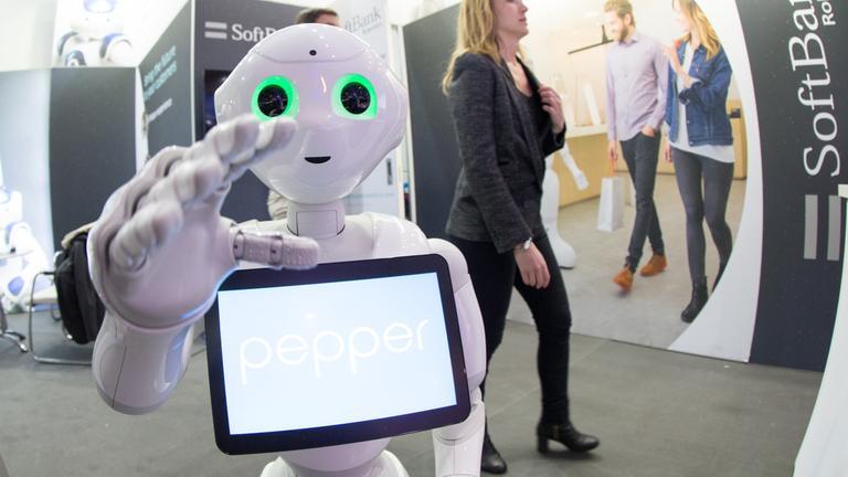 Roboter auf Cebit-Messe.