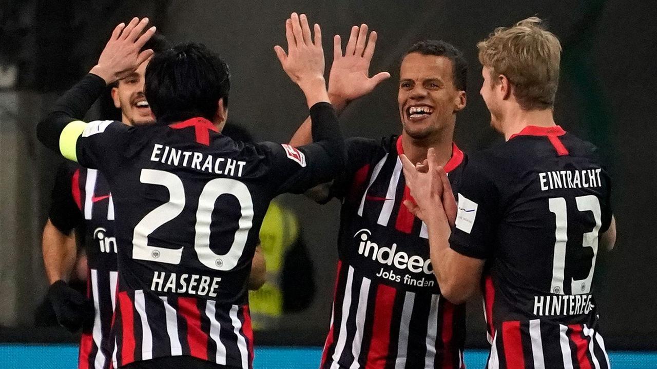 Fußball-Bundesliga: Eintracht fertigt Augsburg ab