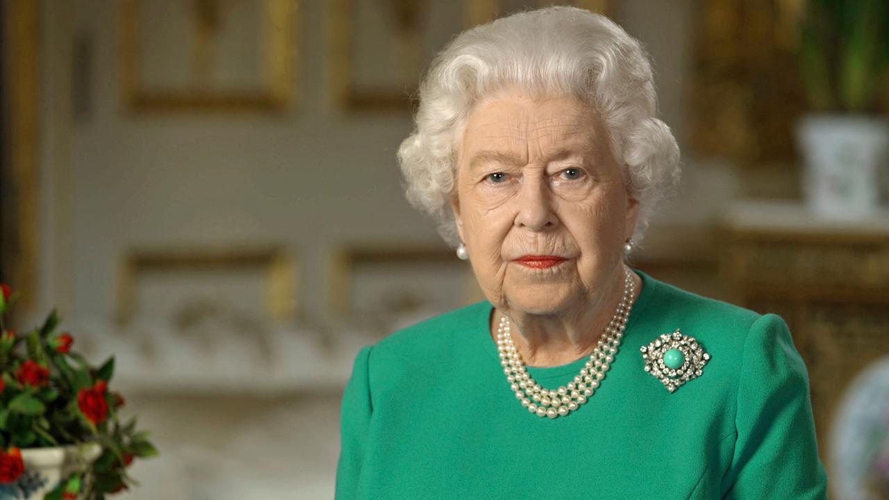 Live: Die Fernsehansprache von Königin Elisabeth II - ZDFheute