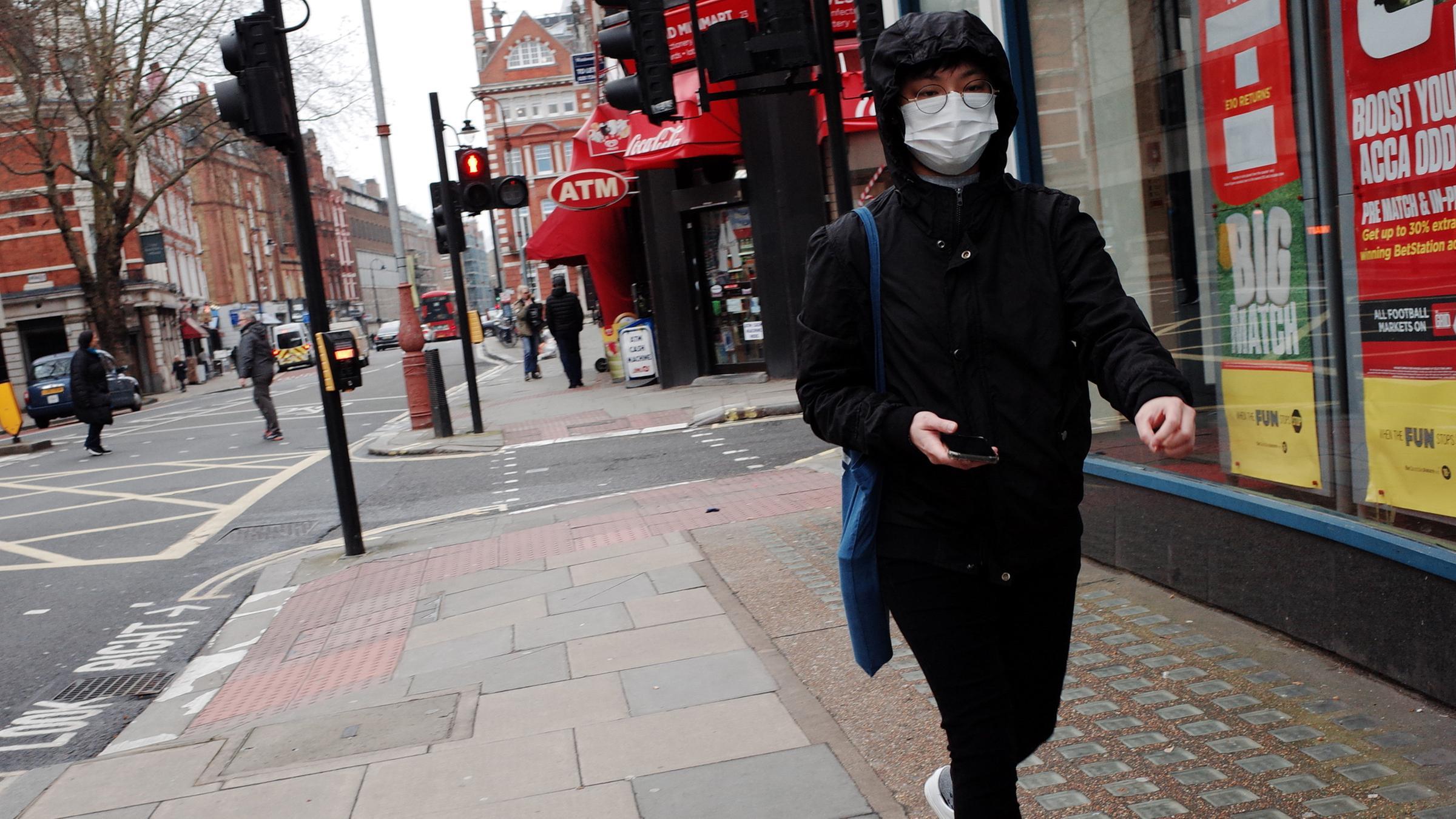 Corona Pandemie London Sehenden Auges In Die Katastrophe Zdfheute