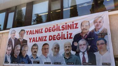 prozess gegen cumhuriyet-mitarbeiter