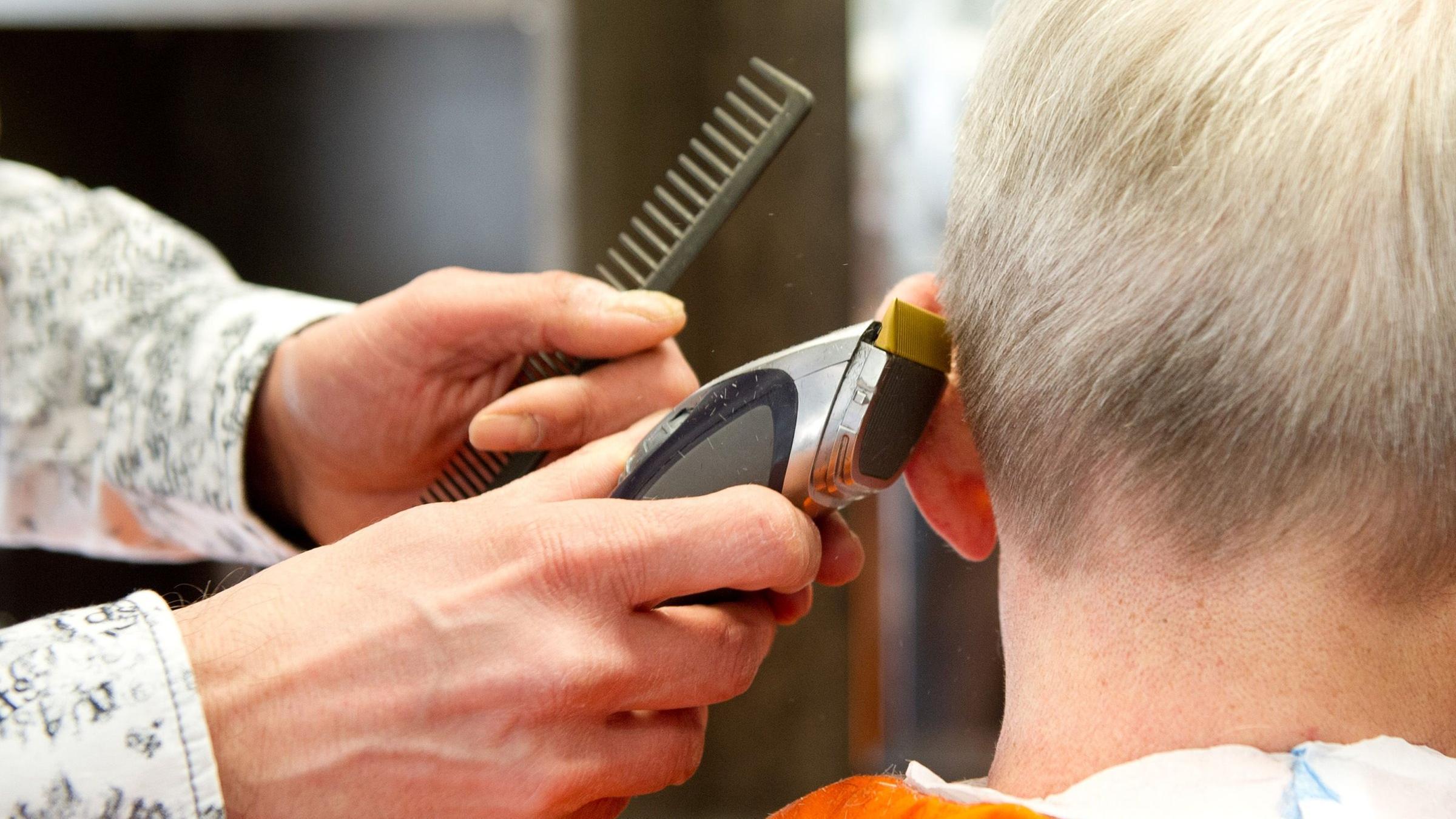 Wie Viel Verdient Eine Friseurin - antin harina