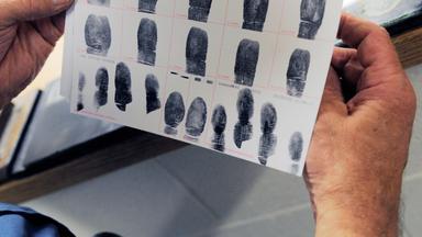 Zdfinfo - Dem Täter Auf Der Spur: Verbrecherjagd Mit Dna-test