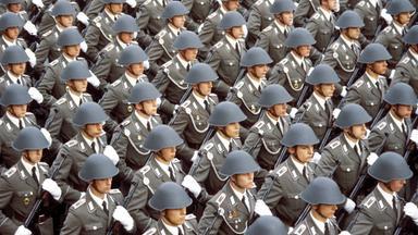 Zdfinfo - Das Erbe Der Nazis 1945-1989 Die Ddr: Anspruch Und Wirklichkeit