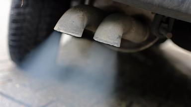 Auspuffrohre vom Diesel-Pkw