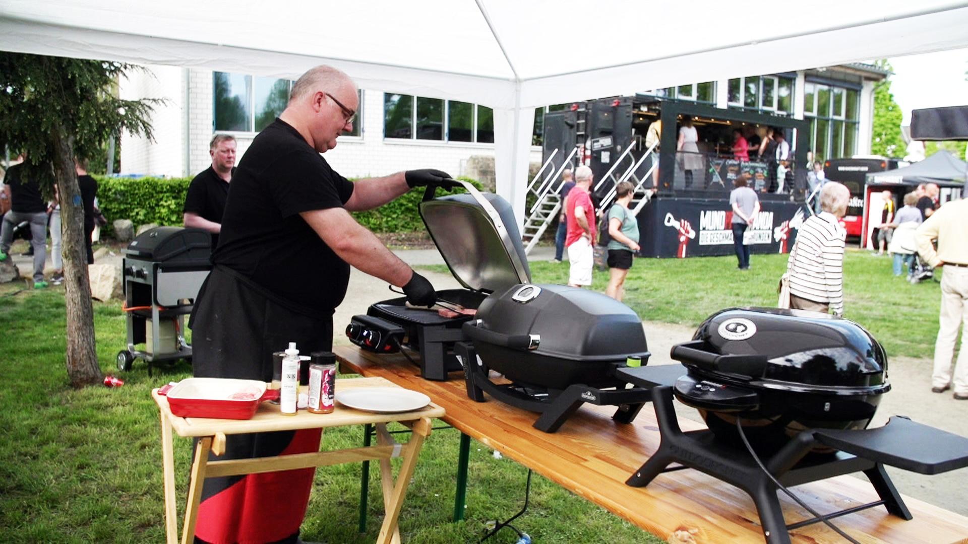 Weber Elektrogrill Hagebaumarkt : Teuer oder billig: grill briketts zdfmediathek
