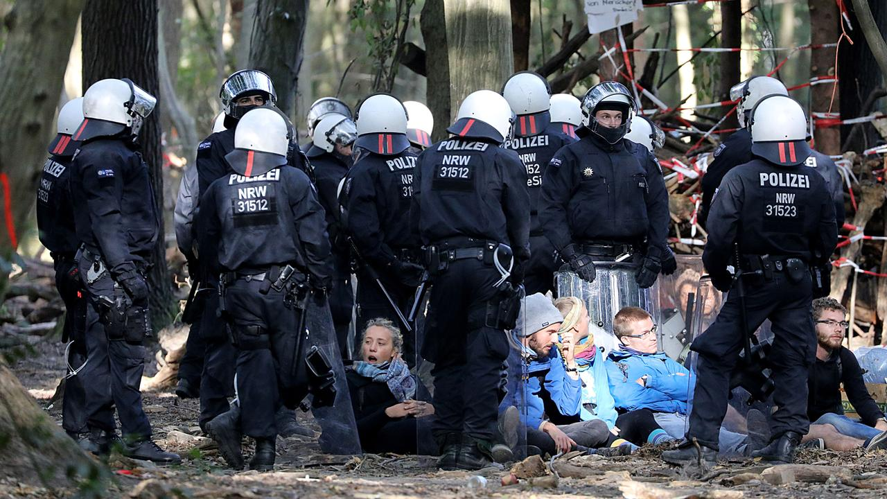 Erneute proteste im hambacher forst 100~1280x720?cb=1546871800630