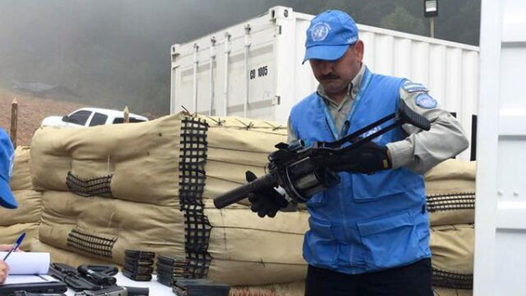 FARC gibt Waffen ab