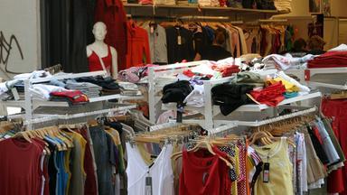 Planet E. - Fast Fashion - Die Folgen Des Modewahnsinns