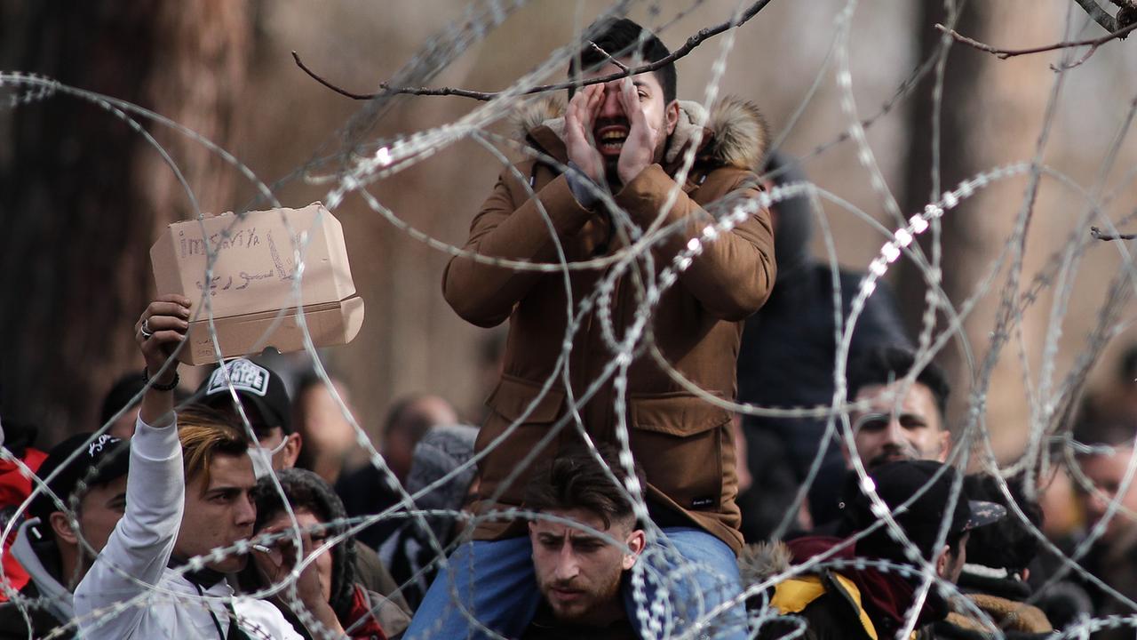 EU erwägt weniger Hilzszahlungen an Türkei