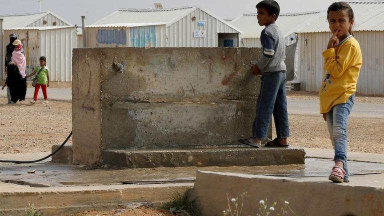 Syrische Flüchtlingskinder  Flüchtlingscamp Azraq, Jordanien