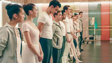 Find Me In Paris - Tanz Durch Die Zeit - Find Me In Paris: Auf Die Probe Gestellt