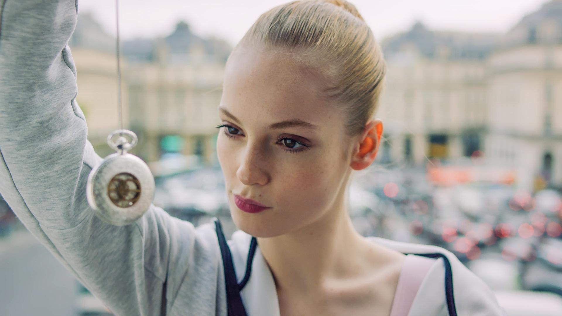 Find Me In Paris Folge 21 Liebe Und Missverständnisse Zdfmediathek