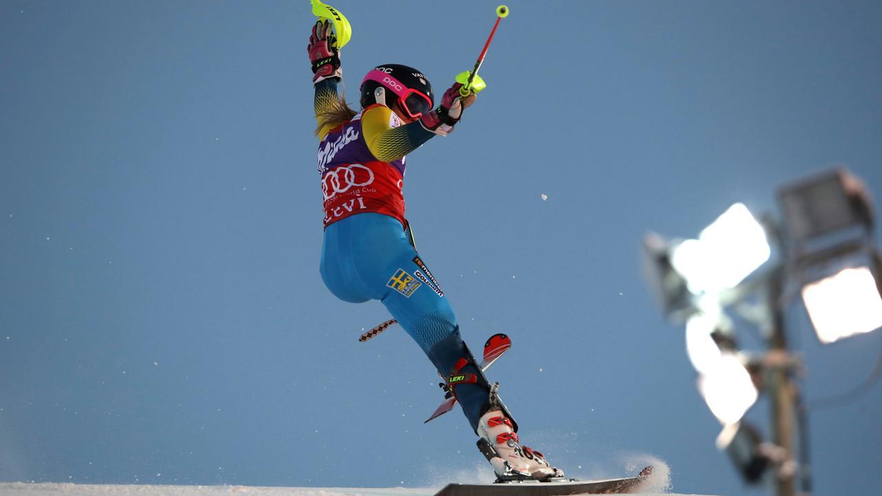 Ski Alpin Slalom Damen Levi in voller Länge komplett ...