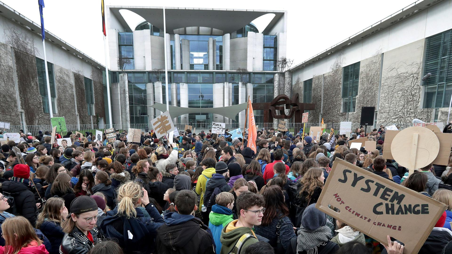 Jugend Demonstriert Politik Ignoriert Maybrit Illner