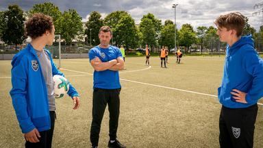Notruf Hafenkante - Fußball-mütter