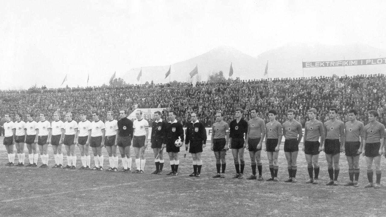 50 Jahre Schmach Von Tirana Als Die Fussball Zwerge