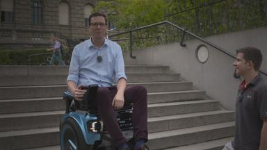 Wolf-Christian Ulrich im Rollstuhl