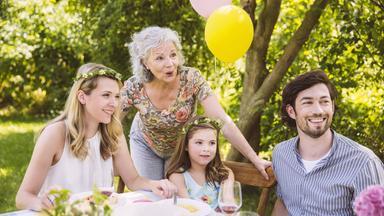 Sonntags - Tv Fürs Leben - Feiern - Die Freude Am Leben