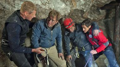 Die Bergretter - Die Bergretter: Gefangen Im Dunkel (2)