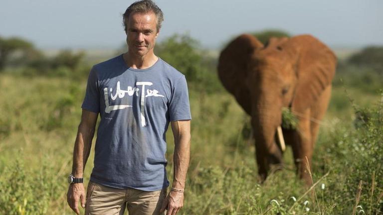 Hannes Jaenicke: Im Einsatz für Elefanten