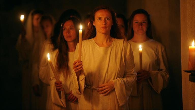 Die Deutschen I, Staffel 2, Teil 3- Hildegard von Bingen und die Macht der Frauen, Szene Hildegard von Bingen mit Gefolginnen