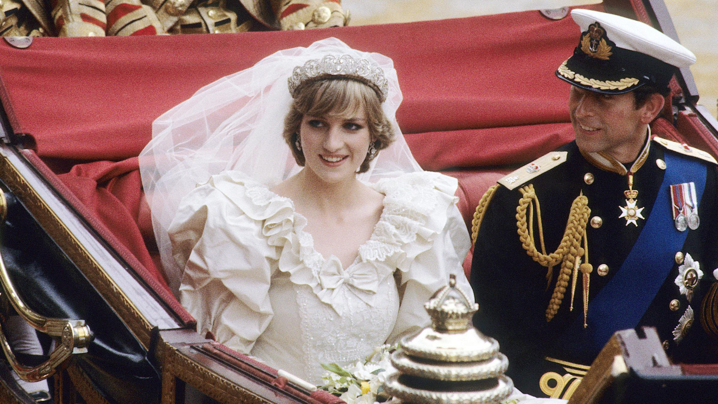 Spanien brautkleid letizia Sophia Hochzeitskleid
