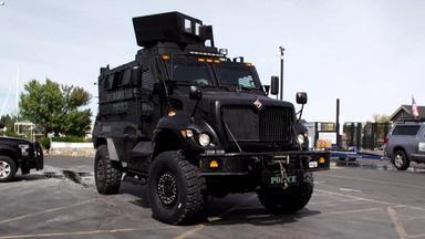 Zdfinfo - Im Panzer Auf Streife – Us-cops Rüsten Auf