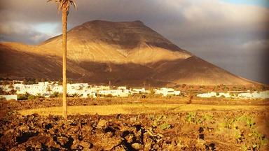 Father Brown - Britische Krimiserie - Im Schatten Der Vulkane: Lanzarote - Wie Asche Zu Geld Wird
