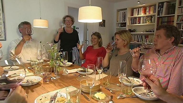 Dinner Im Wohnzimmerrestaurant   ZDFmediathek