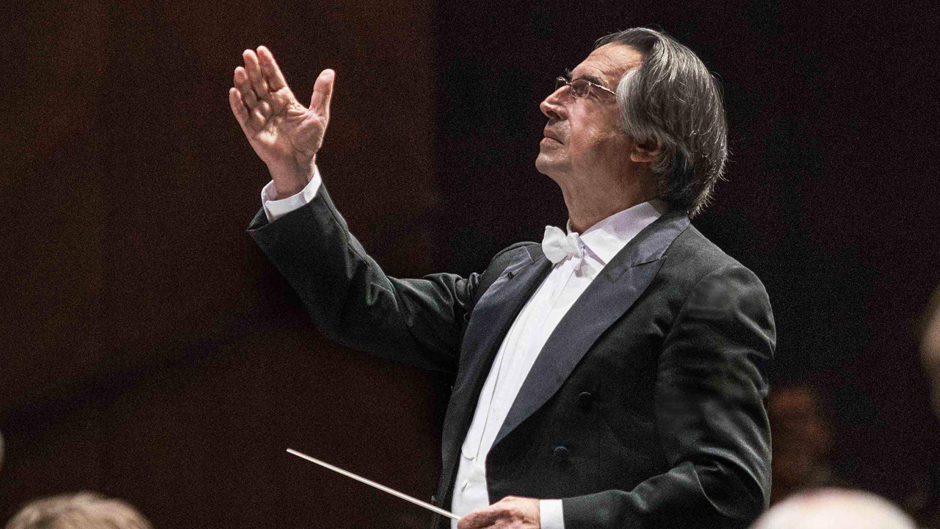 Riccardo Muti dirigiert die Wiener Philharmoniker - Von den Salzburger  Festspielen 2021 - ZDFmediathek
