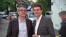 Lutz van der Horst (r.) und Ralf Kabelka bei Siegern und Verlieren in NRW
