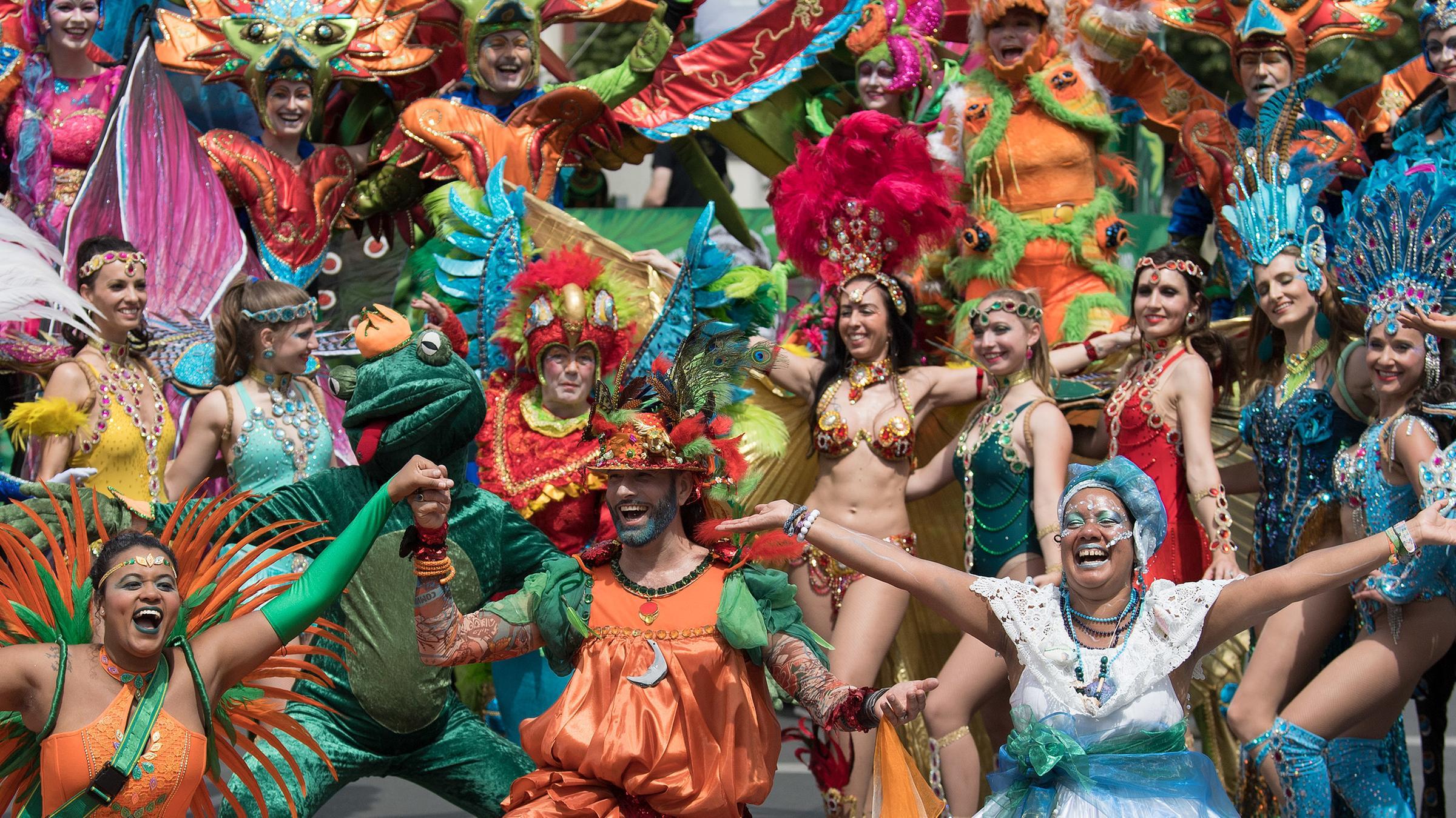 Umzug Karneval Der Kulturen Berlin 2021