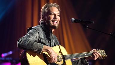 Pop Around The Clock - Kenny Loggins And Friends: Live On Soundstage