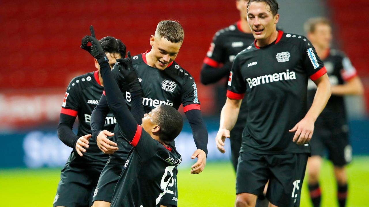Fußball-Bundesliga: Leverkusen stürmt an die Spitze