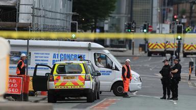 Aufräumarbetien nach dem Anschlag in Manchester