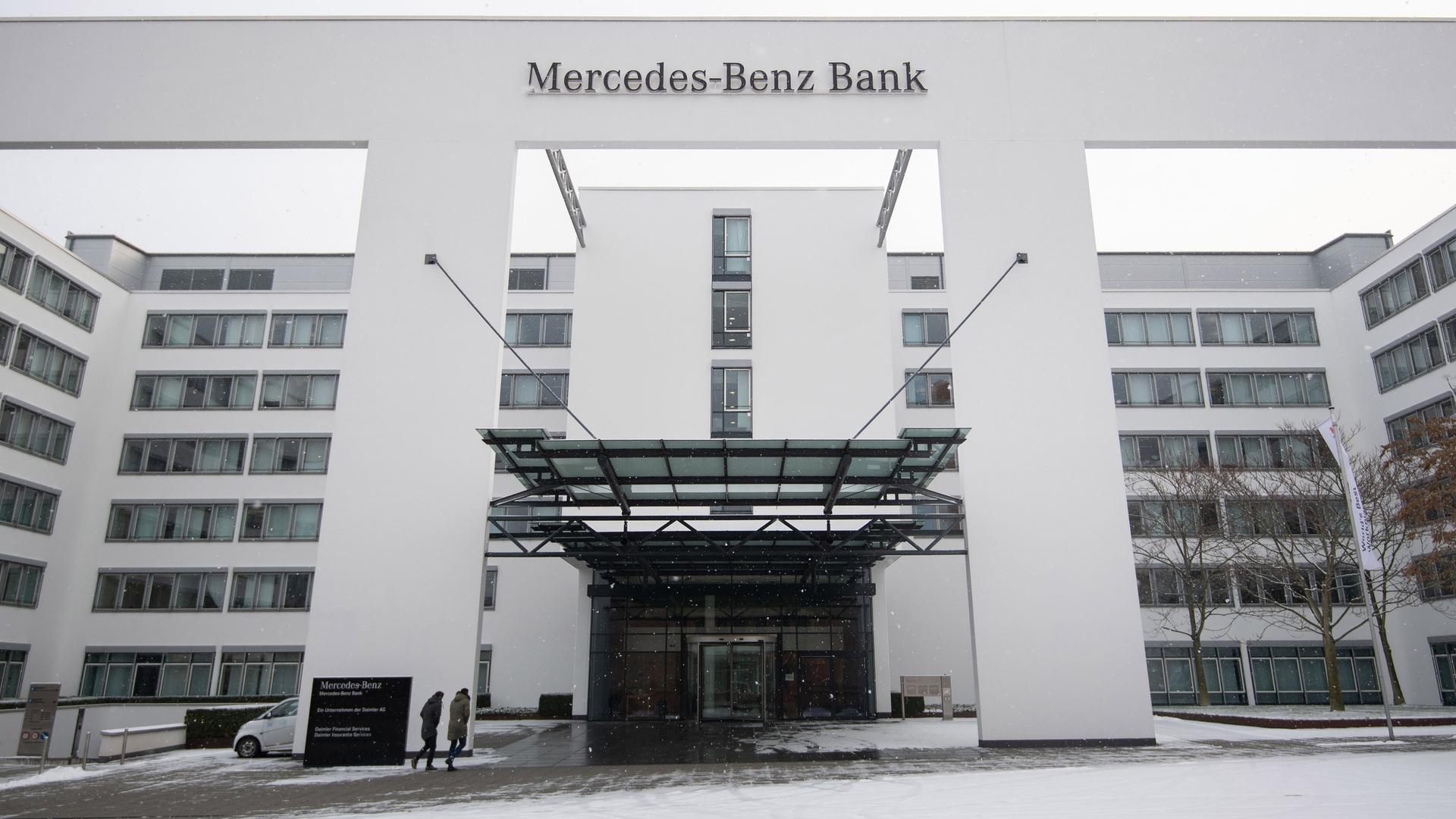 dieselfahrer hoffen: musterklage gegen mercedes-benz bank - zdfmediathek