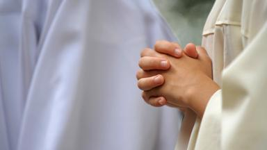 Sonntags - Tv Fürs Leben - Gottes Missbrauchte Kinder Die Katholische Kirche Am Scheideweg